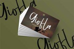 Delilla - A Fun Script Font Product Image 4