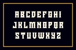 Holics Typeface Product Image 3