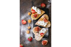 Wafers with berries Product Image 1