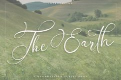 The Earth - A handwritten script font Product Image 1