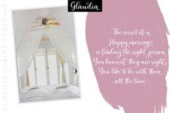 Glaudia Script Product Image 2