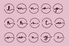 Monogram Feminine Product Image 4
