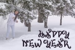 Snow-covered display font Product Image 4