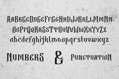 Bekelakar Typeface Product Image 3