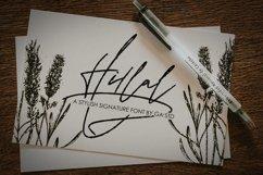 Hillal - A Stylish Signature Font Product Image 1