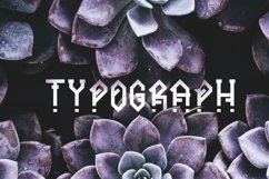 Ornacle - Futuristic Font Product Image 5