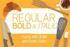 Snacker - Handlettered sans serif font in regular bold and italic