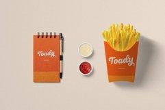 Roshelyn Typeface Product Image 4