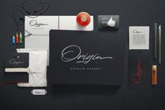 Colatin Script Product Image 4