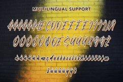 Amethyst - Modern Script Font Product Image 6