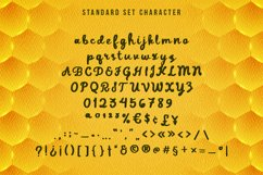 Daddy Bee is a bold and cute handwritten font. Product Image 4