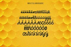 Daddy Bee is a bold and cute handwritten font. Product Image 5