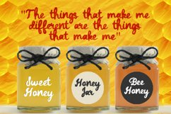 Daddy Bee is a bold and cute handwritten font. Product Image 2