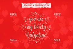 Echgedea - Romantic Script Font Product Image 6
