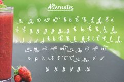 Strawberry Smoothie- A handlettered script font Product Image 4