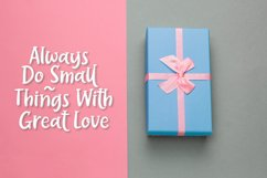 Bellyflops - Sweet Holiday Font Product Image 2