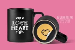 Heart - Classic Display font with doodle glyphs Product Image 2
