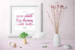 Lovely Script Font - Hello Najwa Product Image 2