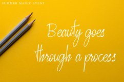 Crusthi Ozaliea Handwritten Script Font Product Image 3