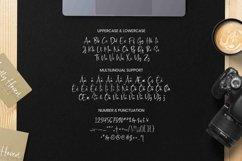 Madfeist Font Product Image 2