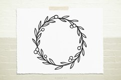 Wild berry wreath svg cut file Product Image 1