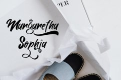 Songoriti Lovee | A Script Display Typeface Product Image 2