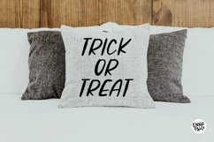 ZOMBIE CRAWL a Distressed Halloween Font Product Image 4