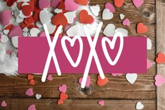 Love Struck, Thick Valentine's Heart Font Product Image 2