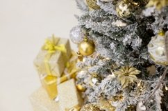 Christmas ornaments decorated christmas tree Product Image 1
