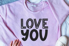 Love Love - Cute Valentine's Day Font Product Image 5