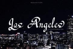 Los Angeles - Modern Script Font Product Image 1