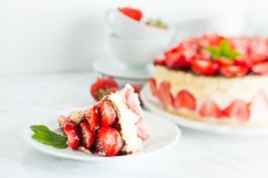 Strawberry cake Fraisier Product Image 1
