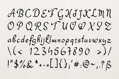 Dathyn Font Product Image 3