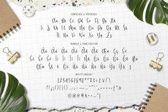 Bloena - Casual Handwritten Font Product Image 5