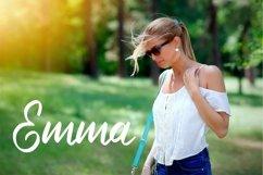 Delphina | Beauty Script Font Product Image 5