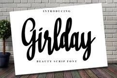Girlday - A Beauty Script Font Product Image 1