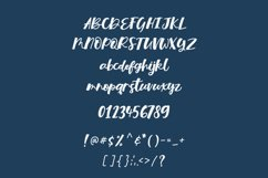 Hey Missy - a bouncy script font Product Image 2