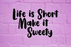 Web Font Gullali - Sweet Bulky Font Product Image 6