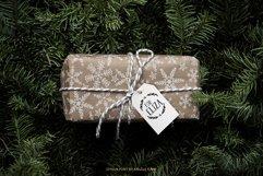 Joyeux Christmas font & Dingbat clipart illustrations Product Image 5