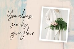 Little Smooth - A Handwritten Signature Font Product Image 4
