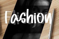 Misgine - Romantic Signature Font Product Image 2