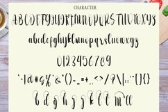 Monthing - Modern Script Calligraphy Font Product Image 3