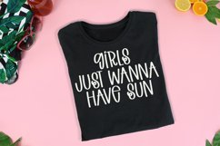 Fun In The Sun - A Quirky Handlettered Font Product Image 2