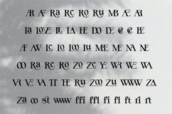 YE Display Font Product Image 3