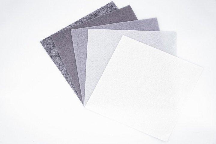 Pieces of grey felt - 8