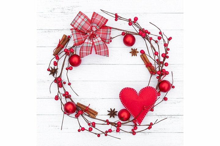 A wreath with a heart and checkered bow for Valentines Day