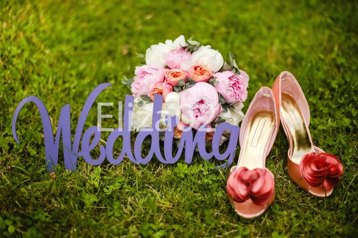 wooden letters wedding, shoes, bouquet