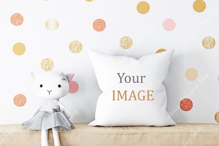 Pillow Mockup, White Pillow Mockup