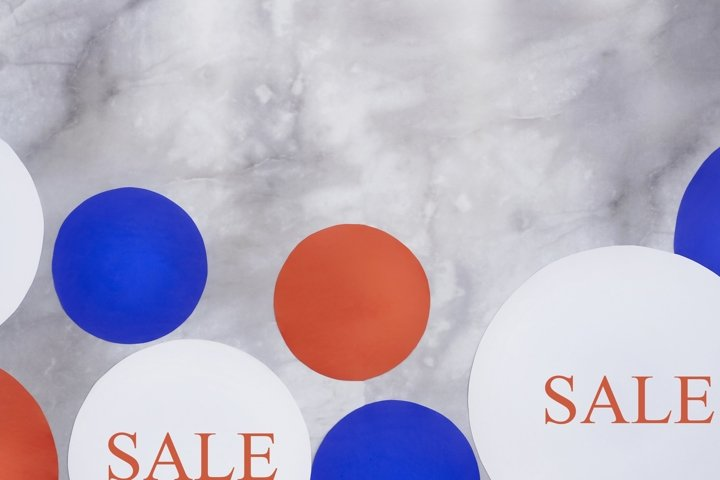 Red white blue circles, text sale