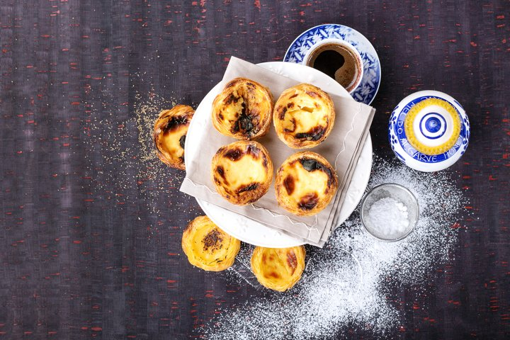 Pastel de Nata served with coffee
